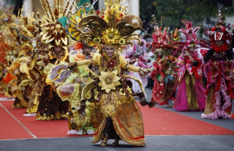 Solo Batik Carnival (courtesy of www.galeri-batikku.blogspot.com)
